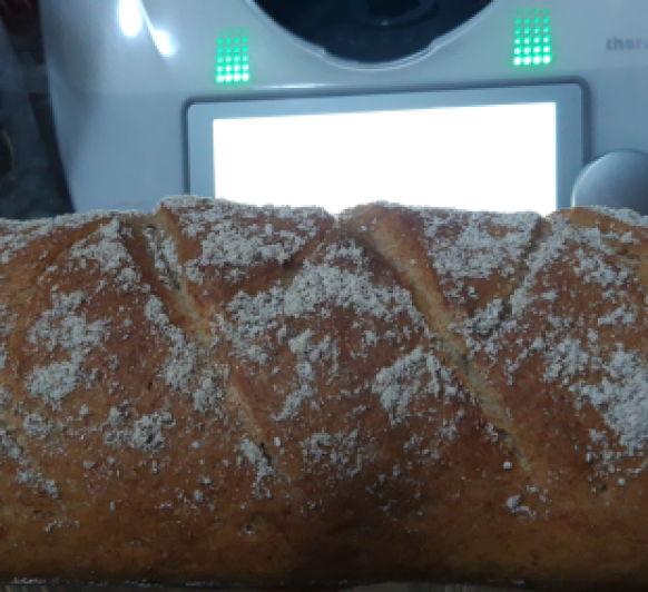 Pan casero de espelta y centeno