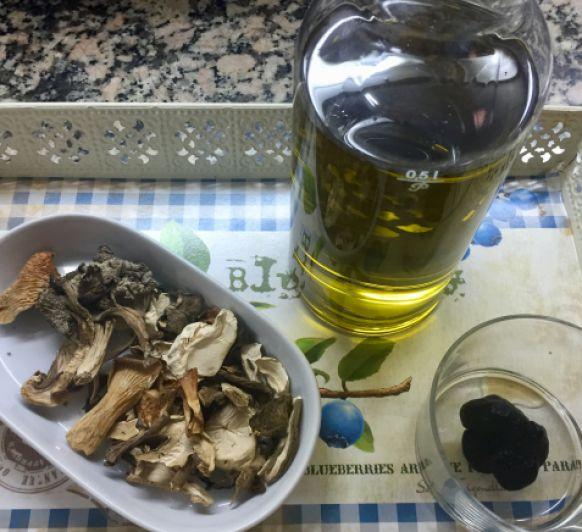 Aceite de setas y trufa confitado en Thermomix®