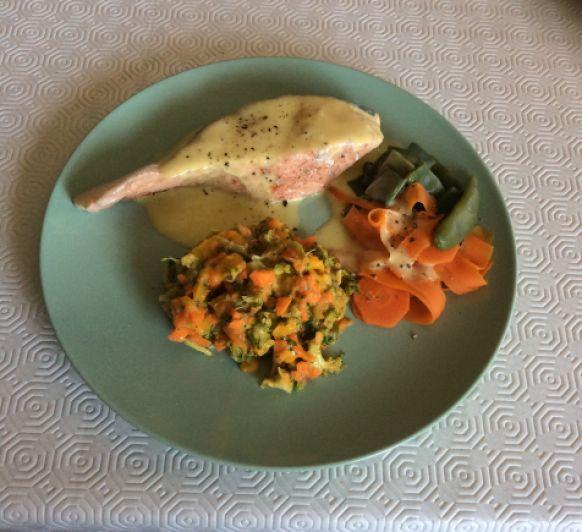 Salmón con verduras al vapor