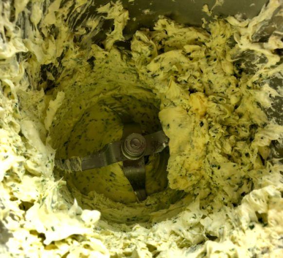 Mantequilla de albahaca con Thermomix®